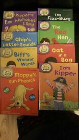 Biff Chip And Kipper Books Phonics Level 1 - 4 £10.00 only !