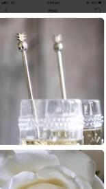 Set of 4 metal pineapple drinks stirrers