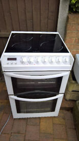 Hotpoint cooker electric freestanding hardly used