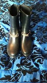 Ankle boots. Size 6
