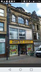 Shop / retail unit to let on Rawson place, Bradford City Centre