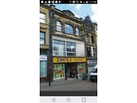 Shop / retail unit to let on Rawson place, Bradford City Centre