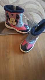 Brand new Minnie mouse winter snow boots size infant 10