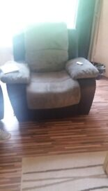 2 recliner chairs n 3 seater