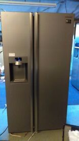 SAMSUNG American fridge freezer, with water and ice dispenser,