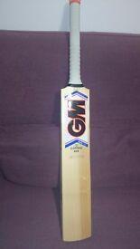 GM Mana 808 DXM F4.5 Senior Cricket Bat Brand new with tags.