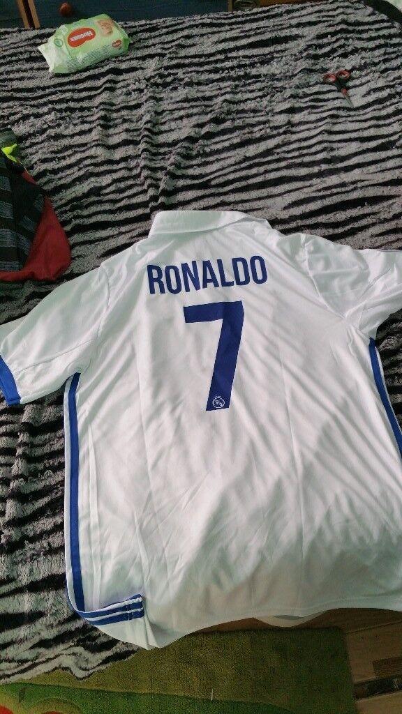 REAL MADRID RONALDO SHITT SIZE XL NEW