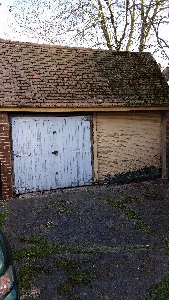 Lock up Garage to let in North London (Double) Near Harrow.