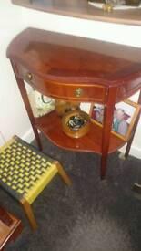 Wooden side tablw