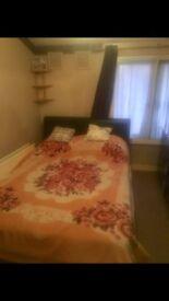 Double bedroom, Tottenham, Seven Sisters