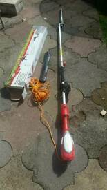 Grizzly long reach pole hedge cutter