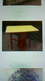 Formica drop leaf table 36 x24 ins