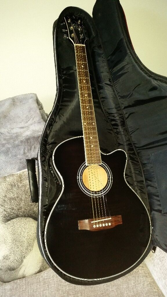 Chord Acoustic Guitar (Black) and case | in Kings Norton, West ...