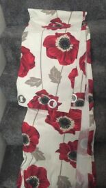 Red/cream poppy curtains