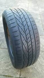 Goodyear Excellent 255 45 20 tyre - excellent tread