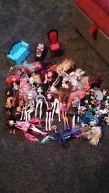 Monster high dolls & accessories