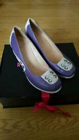 Ladies wedge shoes size 5 worn once EXCELLENT CONDITION