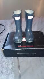 Girls hunter wellies size 9 good condition
