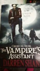 Vampires Assistant by Darren Shan