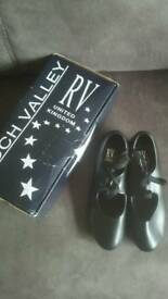 Roch Valley black tap shoes size UK 3