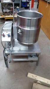 Cleveland Steam Kettle - Tilting 12 gallon commercial kettle