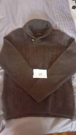 Mens mixed sized jumpers