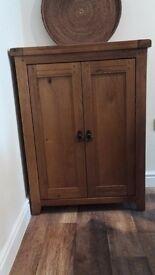 Solid oak drinks cabinet(storage)