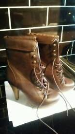 Brown ankle boots size 5 as new