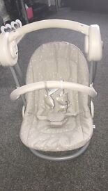 MAMAS AND PAPAS swinging chair with 7 melodies