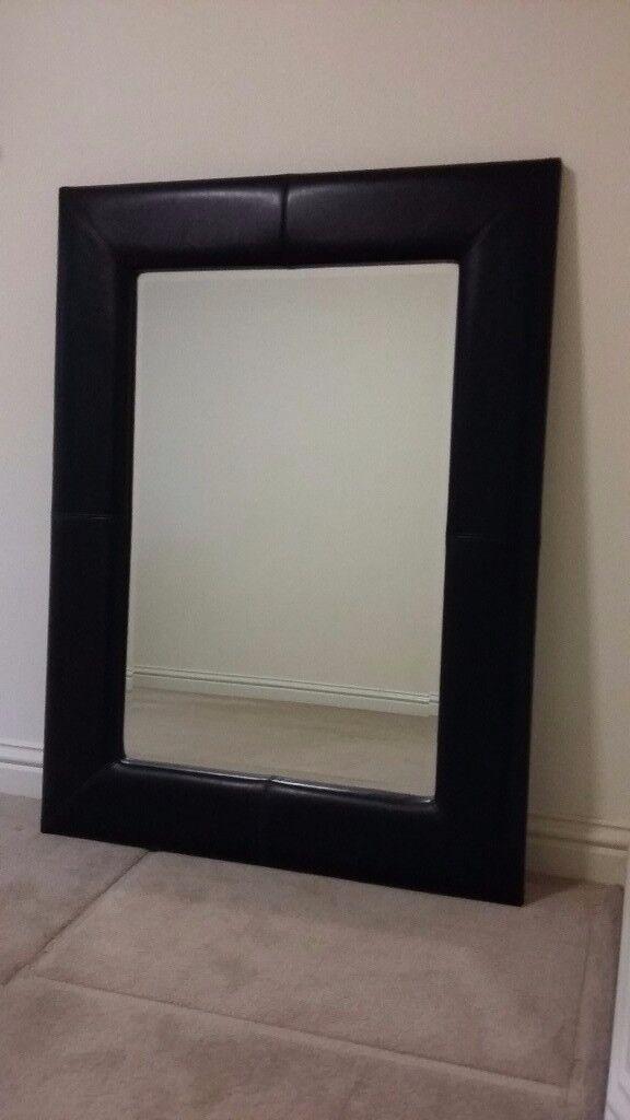 Wall mirror - Black padded frame - 90cm x 120cm