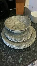 Dining set plates and bowls