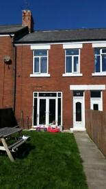 Rent: 3 bed renov Seaham House (£350 move in)
