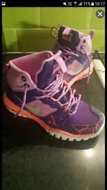 Nike ladies walking boots