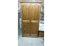 Pine Double wardrobe with mirror