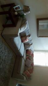 FREEHOLD - 2 BEDROOM FLAT GROUND FLOOR