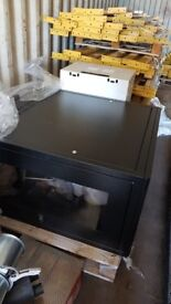 2x server cabinet
