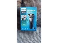 Brand New Phillishave Wet and Dry razor