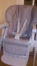 Polly Chicco 2 in 1 Highchair