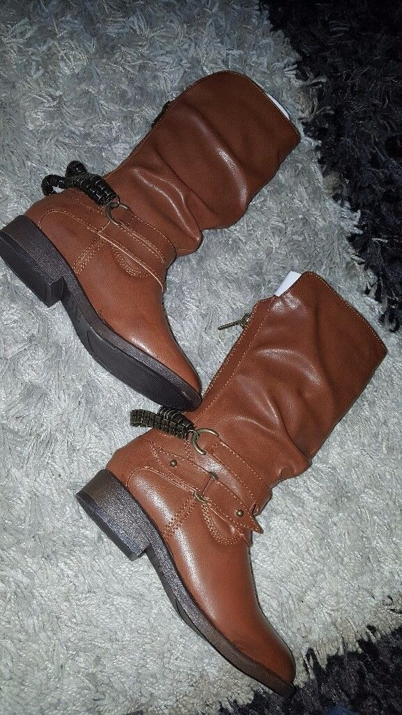 Brand New - Girls Size 11 Boots