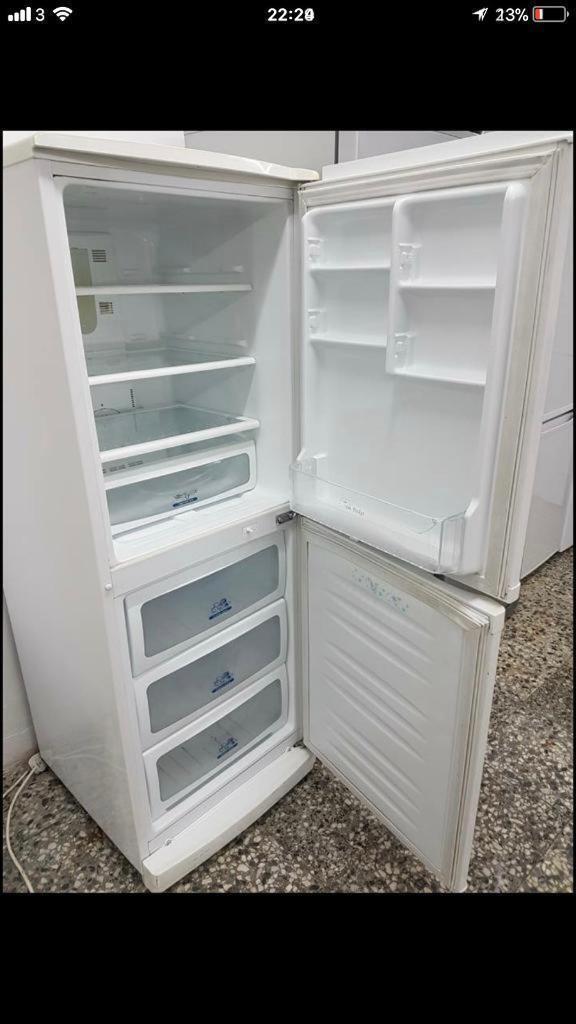 Lg fridge freezer full working 4 month warranty free delivery thanks 🙏