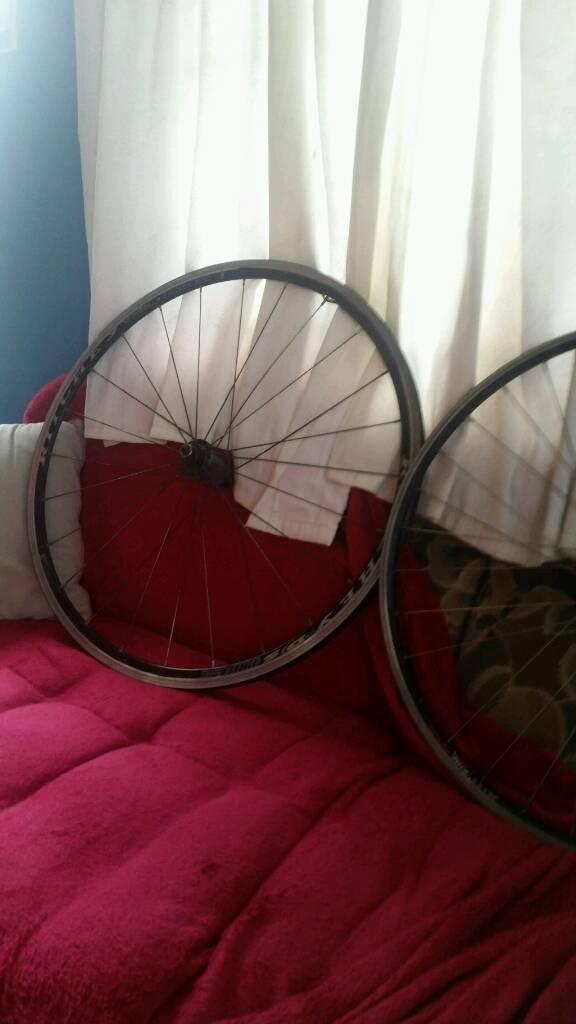 2 brand new wheels