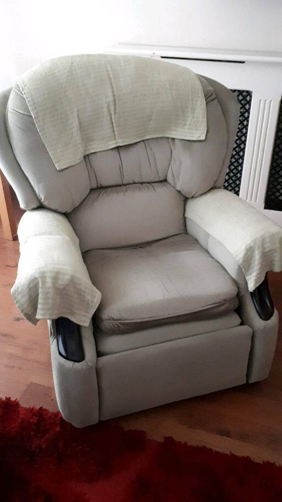 Recliner sofa / chair