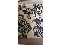 Black & white Rug 120-170cm good clean condition