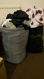 2 laundry baskets for £5