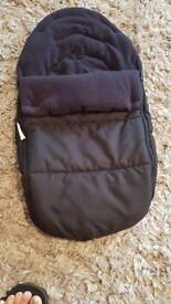 Universal carseat footmuff/cosytoes