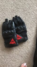 Ladies Dianese leather gloves