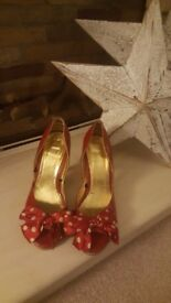 Red spotty Vintage look heels by Fiore, size 4.