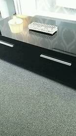 LOVELY HIGH GLOSS COFFEE TABLE VGC