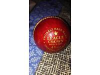 Fearnley League Crown 4 3/4 oz Cricket Ball