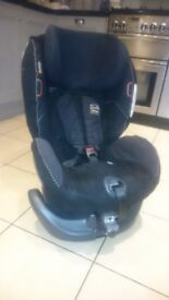 IZI COMBI X3 REAR AND FORWARD FACING CAR SEAT 6M TO 4 YRS OLD